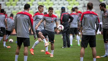Biało-czerwoni trenowali na PGE Arenie przed piątkowym towarzyskim meczem z Litwą (godz. 17.30). To będzie ostatni sprawdzian Polaków przed eliminacjami Euro 2016.