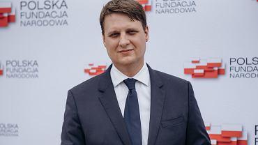 Filip Rdesiński rezygnuje z funkcji prezesa Polskiej Fundacji Narodowej