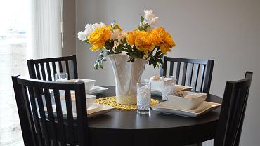 Stół - serce domu. Jak wybrać najlepszy?