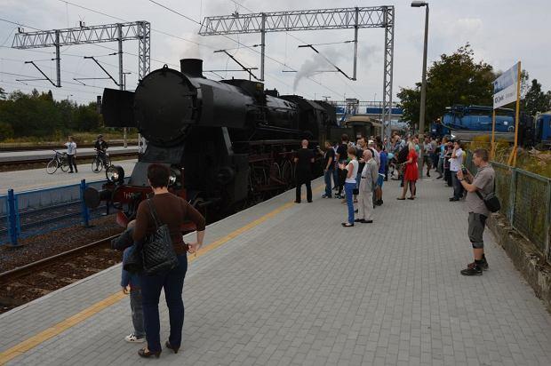 Zdjęcie numer 2 w galerii - Zabytkowy pociąg przyjechał do Żywca piękną trasą [ZDJĘCIA]