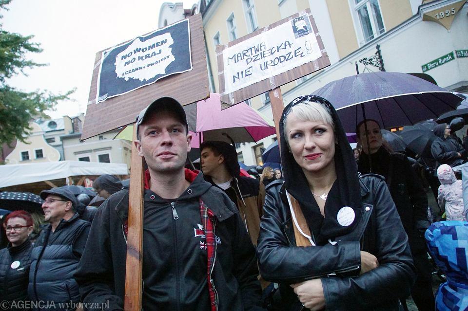 Zdjęcie numer 64 w galerii - Czarny protest w Zielonej Górze: