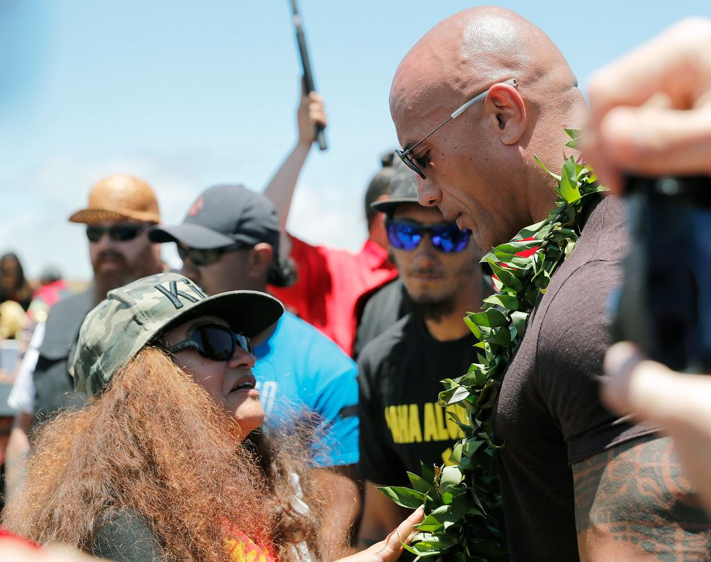 Hawaje. Dwayne Johnson podczas protestu przeciwko budowie teleskopu na Mauna Kea