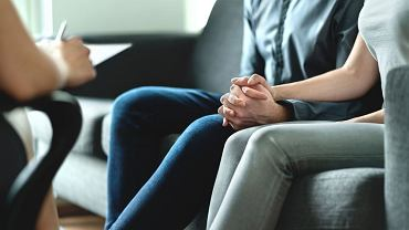 Seksuolog to specjalista, do którego warto wybrać się w parze, bo problem osób w związkach dotyczy obojga