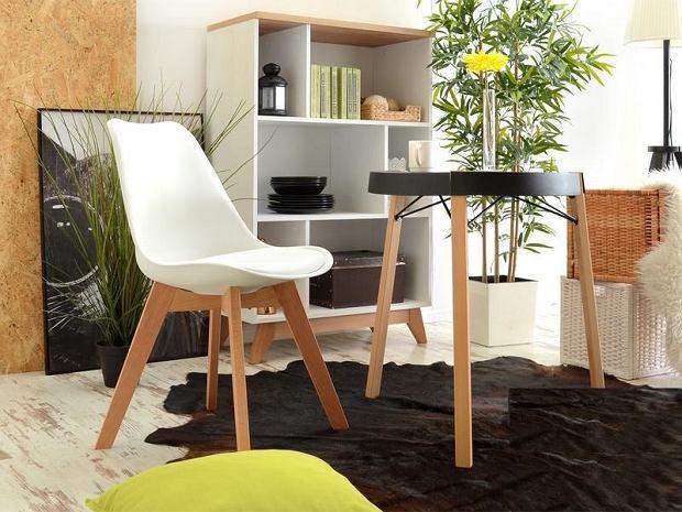 Smukłe, wysokie stoły - nowoczesne meble