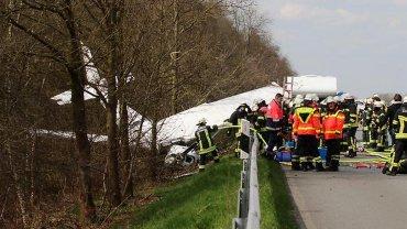 Samolot, który rozbił się na autostradzie w Niemczech