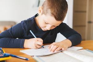Dzielenie pisemne - jak dzielić pod kreską? Działanie krok po kroku