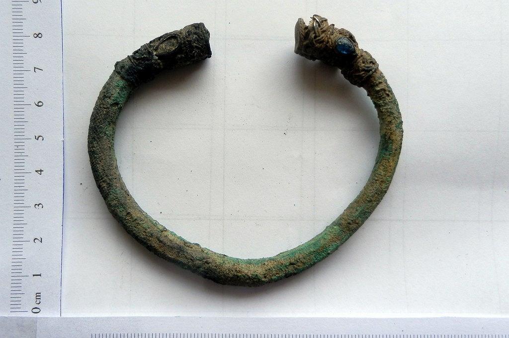 Przemyt 40 szt. biżuterii pochodzącej z wykopalisk archeologicznych