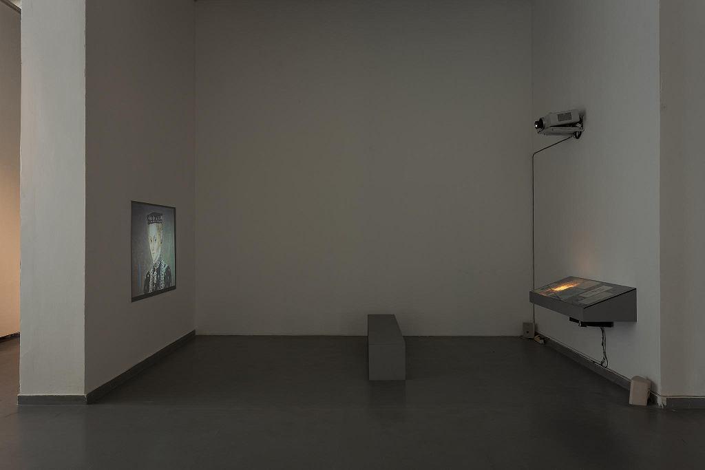 Studio Spongé , Przyziemny , 2018, instalacja, wystawa 'Czekając na kolejne nadejście' / ANDREJ VASILENKO