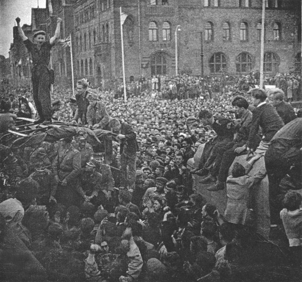 Robotnicy pod zamkiem, 28 czerwca 1956.