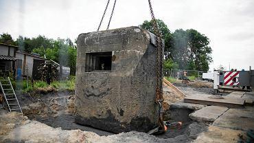 W Rudzie Śląskiej przeniesiono schron, który był na trasie budowy nowej drogi