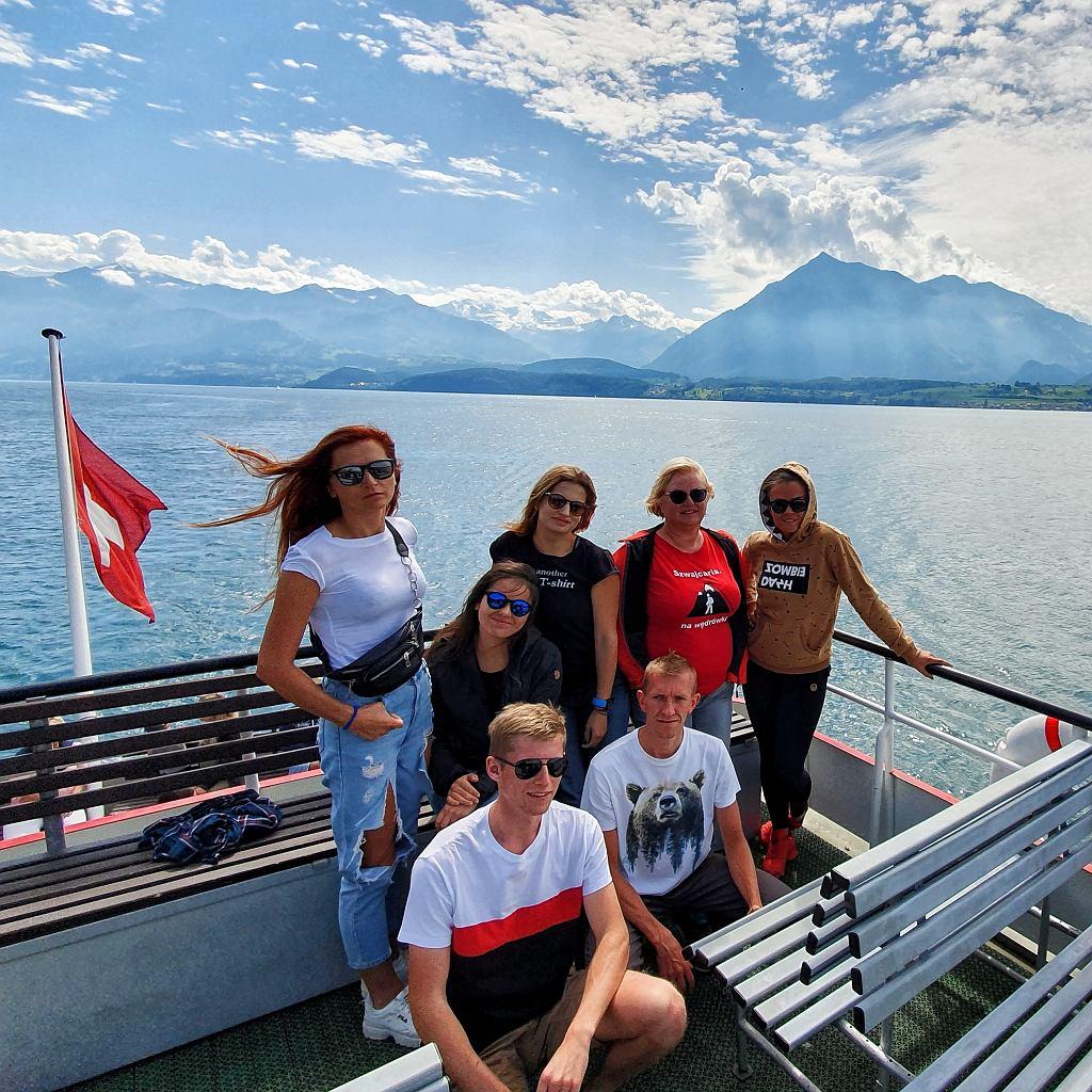 Zwycięzcy konkursu oraz Adriana Czupryn, szefowa Switzerland Tourism w Polsce i Anna Dziedzic, trener personalny i właścicielka FitAnka.pl