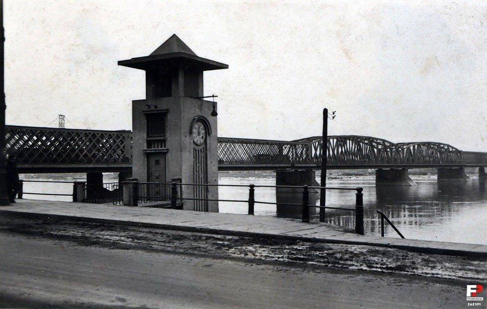Tak wyglądał warszawski zegar elektryczny do pomiarów stanu wody na Wiśle.