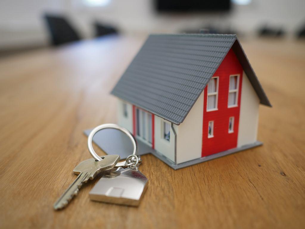 sprzedaż nieruchomości (zdj.ilustracyjne)