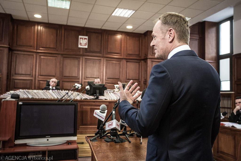 Przesłuchanie Donalda Tuska w procesie Tomasza Arabskiego ws. organizacji lotu do Smoleńska.