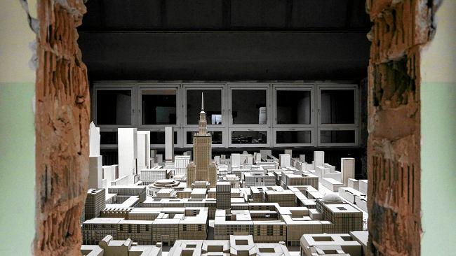Architektoniczne dziedzictwo odbudowy stolicy
