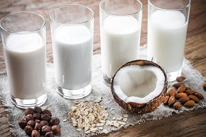 Mleka roślinne: rodzaje, właściwości. Dla kogo mleko roślinne?