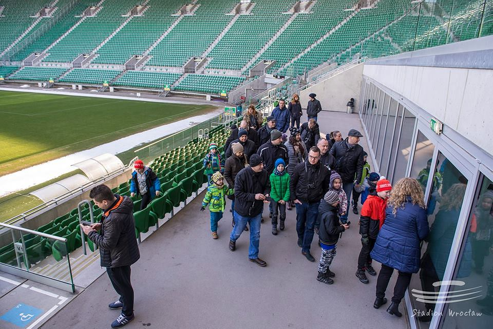 Dariusz Sztylka oraz Tadeusz Pawłowski spotkali się w sobotę z fanami, którzy przyszli zwiedzić Stadion Wrocław