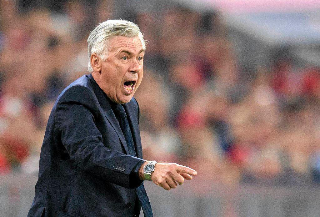 Bayern Munich's coach Carlo Ancelotti gestures during the match against Wolfsburg, during the German Bundesliga soccer match between FC Bayern Munich and VfL Wolfsburg in Munich, Germany, Friday, Sept. 22, 2017.