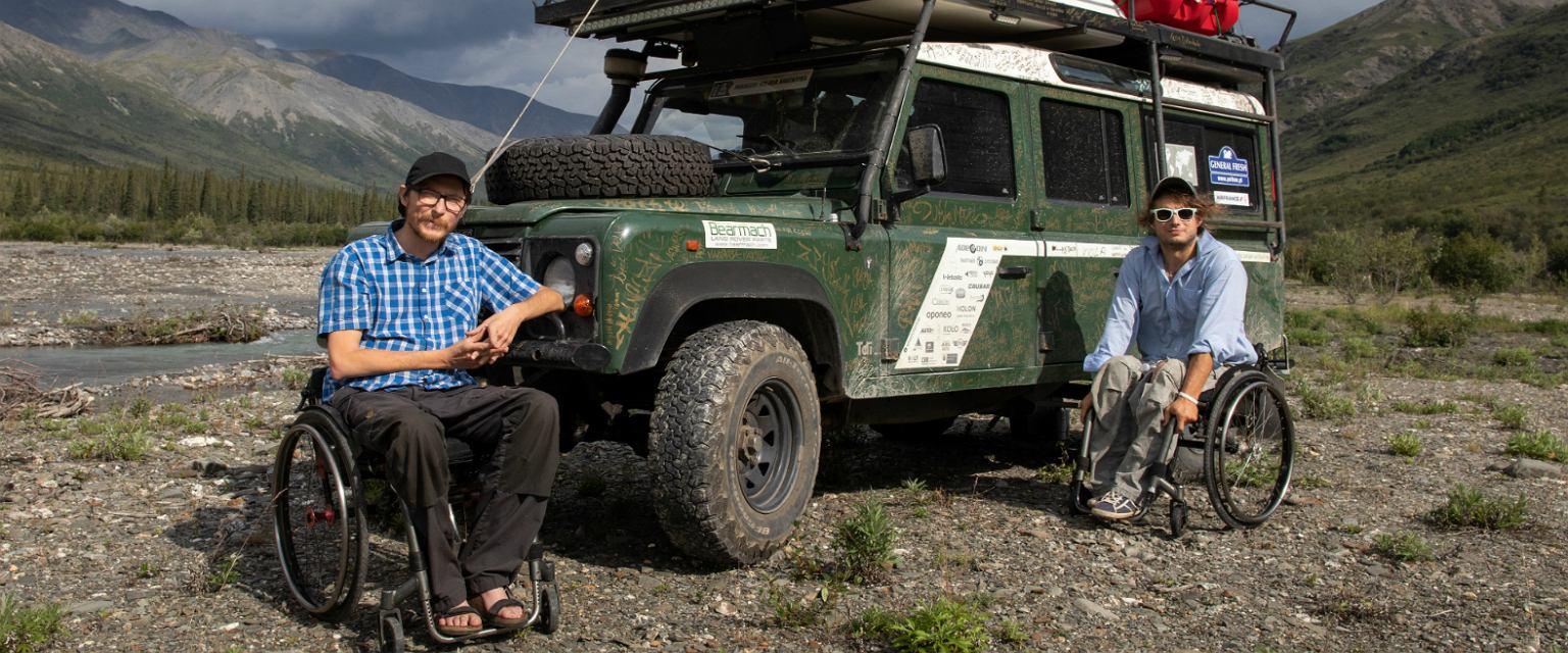 Michał i Maciej jako pierwsi podróżnicy na wózkach inwalidzkich samodzielnie przejechali terenowym samochodem dwie Ameryki (fot: Michał Woroch)