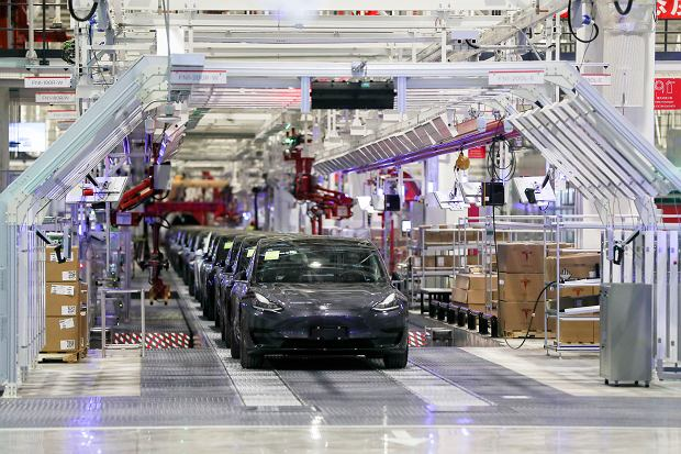 Fabryka Tesli w Chinach/AP