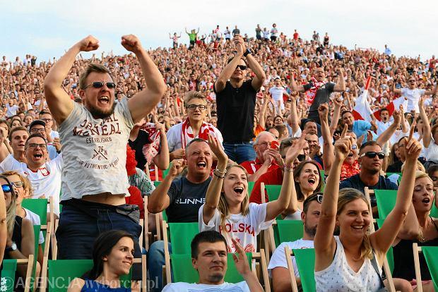 Strefa Kibica na warszawskiej Kopie Cwila. Mecz Polska - Senegal na Mistrzostwach Świata w Piłce Nożnej Rosja 2018