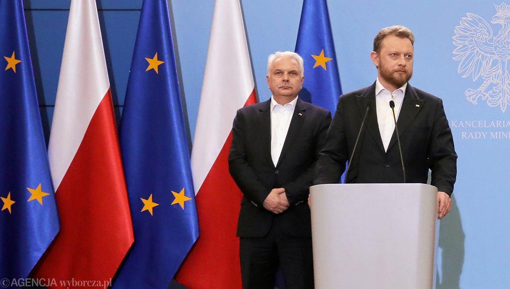 Wiceminister zdrowia Waldemar Kraska , minister zdrowia Łukasz Szumowski