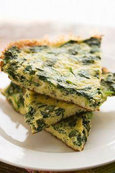 Omlet ze szpinakiem jest pożywny i ma dużo potasu i żelaza