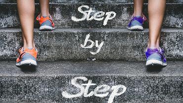 Ile kroków dziennie trzeba zrobić dla zdrowia i szczupłej sylwetki? Zdjęcie ilustracyjne