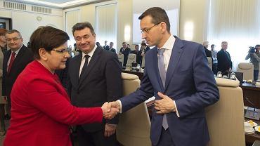 Premier Beata Szydło i minister rozwoju Mateusz Morawiecki podczas posiedzenia rządu. Warszawa, 25 kwietnia 2017
