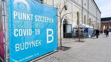 Punkt szczepień zorganizowany w Centrum Nauki i Sztuki ' Stara Kopalnia ' w Wałbrzychu