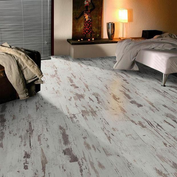Panele podłogowe. Jak położyć panele?