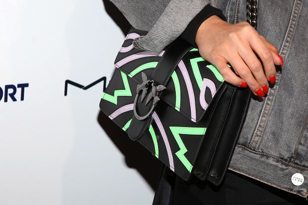 Zdjęcie numer 2 w galerii - Tommy Hilfiger, Calvin Klein i Karl Lagerfeld - ich torebki i ubrania kupisz teraz taniej! Nasz hit to sweterek Lacoste