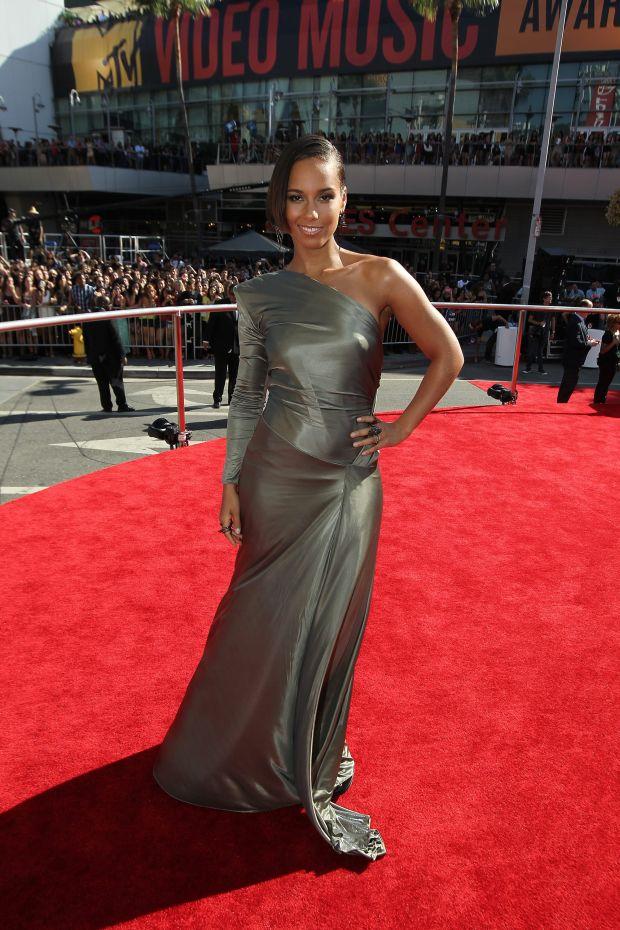 Alicia Keys arrives at the MTV Video Music Awards on Thursday, Sept. 6, 2012, in Los Angeles. (Photo by Matt Sayles/Invision/AP)