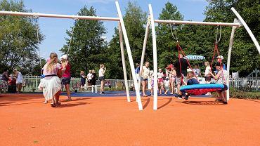 Otwarcie nowego placu zabaw, zbudowanego w ramach Budżetu Obywatelskiego, na płockim osiedlu Pradolina Wisły