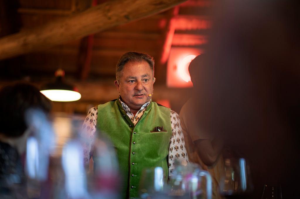 Robert Makłowicz; kolacja 'Ogień w kuchni: Baron i Makłowicz'