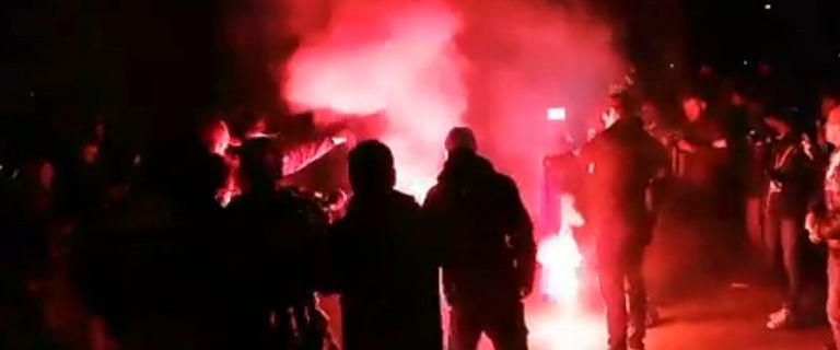 Wszechpolacy przyznali się do podpalenia flagi UE. Komentarz policji