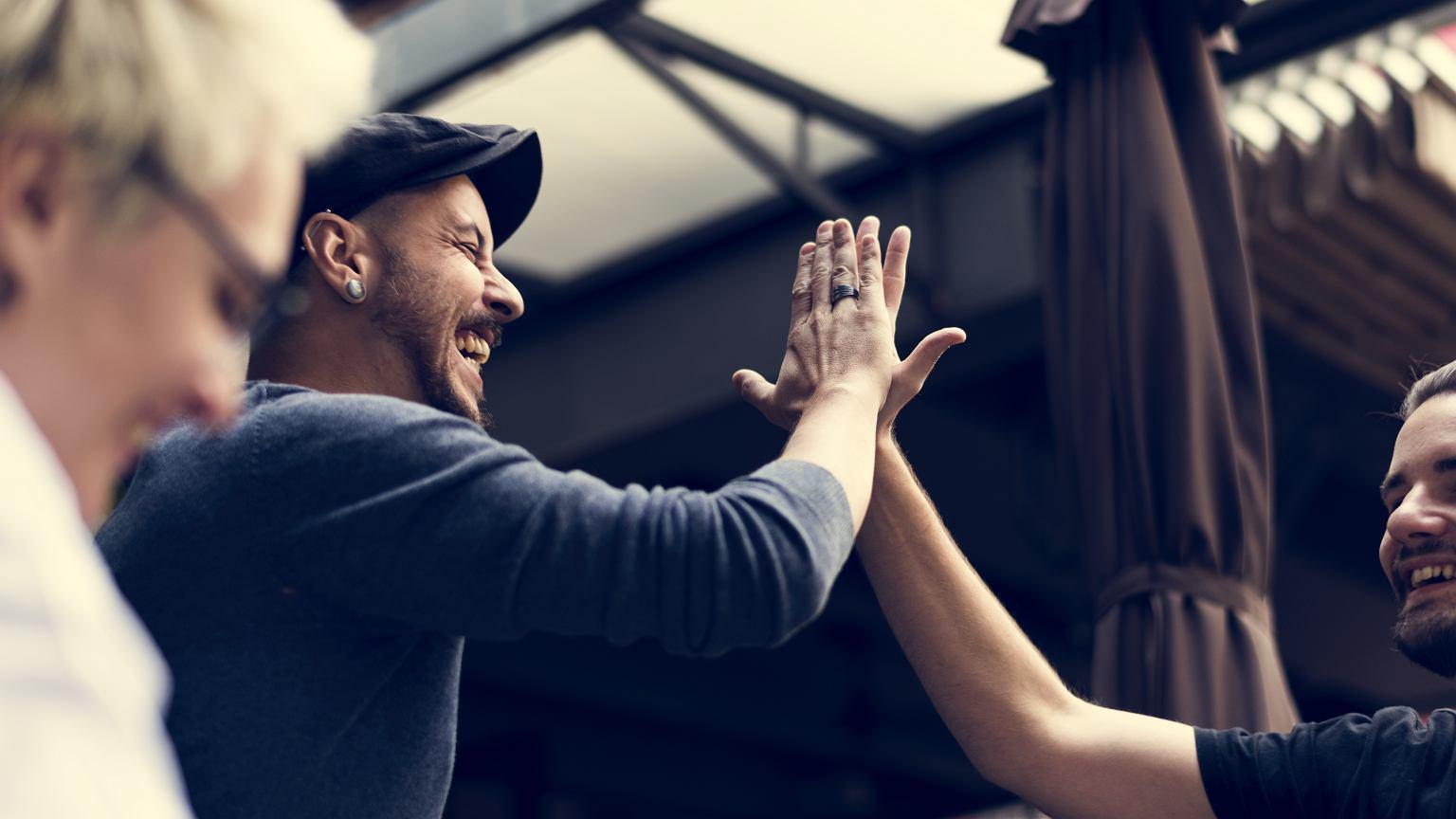 Pozytywna energia ułatwia znalezienie wspólnego języka