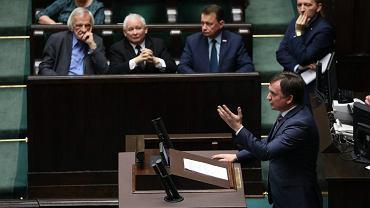 Minister Sprawiedliwości i Prokurator Generalny Zbigniew Ziobro przed drugim czytaniem projektu nowelizacji ustawy o Sądzie Najwyższym, 21 listopada 2018.