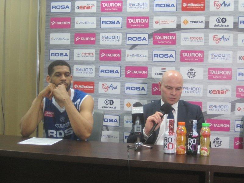 C.J Harris i Wojciech Kamiński podczas konferencji