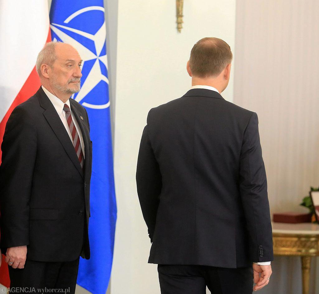 Minister obrony narodowej Antoni Macierewicz i prezydent Andrzej Duda.