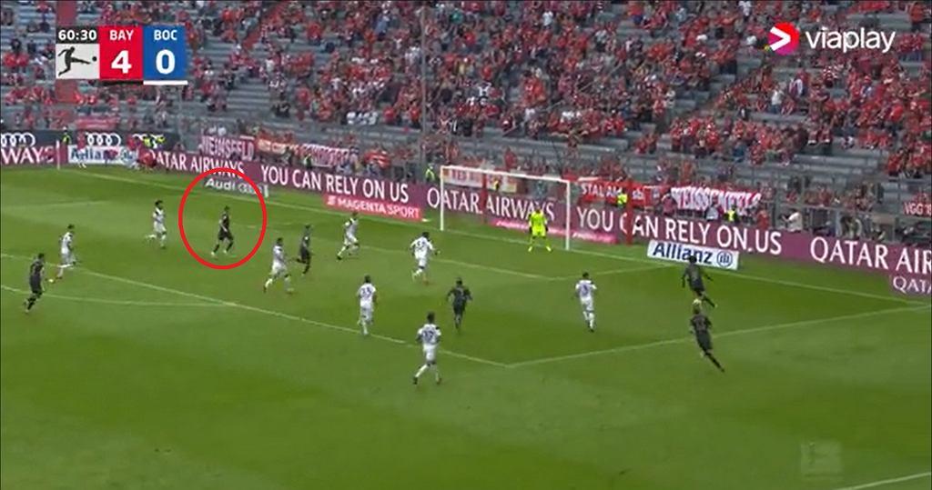 Robert Lewandowski z golem w meczu z Bochum