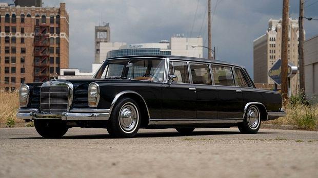 Dyktatorska jazda. Można kupić Mercedesa 600 Pullman chińskiego oficjela Chena Yi