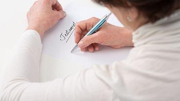 Jak napisać i zabezpieczyć testament? Kogo można wydziedziczyć?