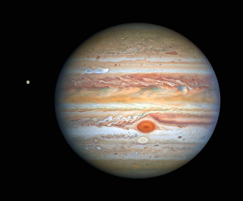 Jowisz i jego księżyc Europa w sierpniu 2020