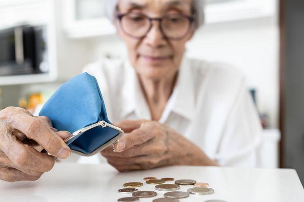 Rząd pomylił się w prognozach. Będzie musiał znaleźć więcej pieniędzy dla emerytów