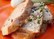 Pasztet drobiowy z suszonymi pomidorami i oliwkami - ugotuj