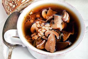 Zupa grzybowo-cebulowa z pęczakiem
