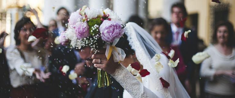 Ministerstwo Sprawiedliwości walczy z przestępczością, promując małżeństwo
