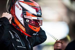 """Kubica już na trzecim zakręcie wykręcił """"bączka"""". Nieudany powrót do F1"""