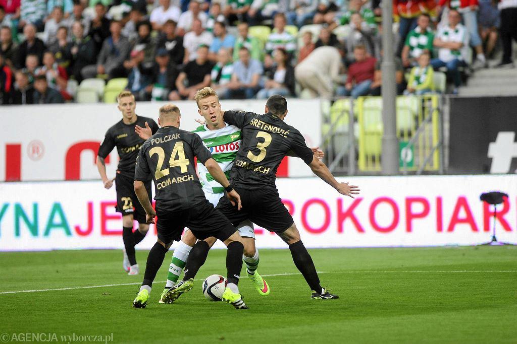 Na inaugurację sezonu 2015/16 Lechia przegrała na własnym stadionie z Cracovią 0:1